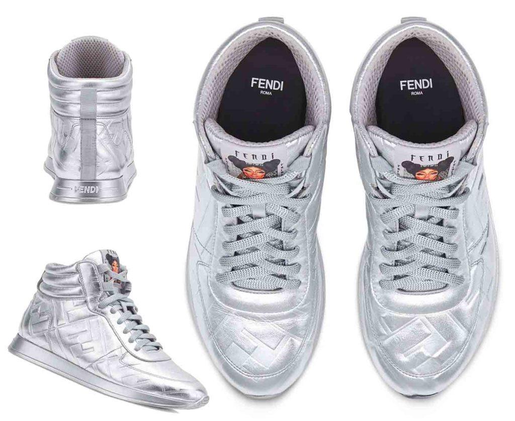حذاء رياضي برقبة وطبعة