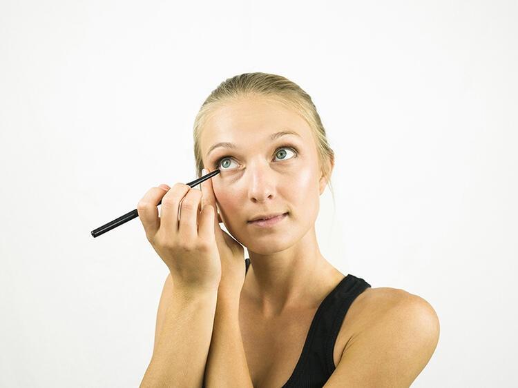 محدد العيون Eyeliner